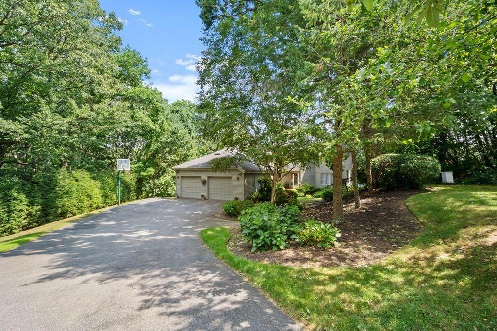 35 Chiltern Hill Dr N - Photo 1