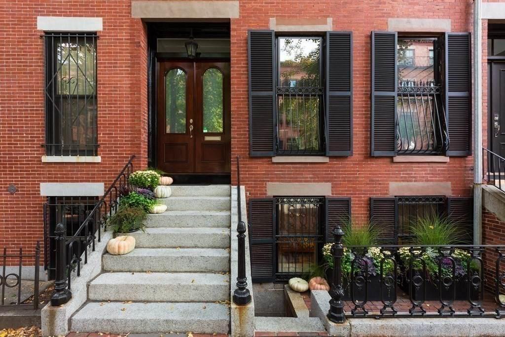 155 W Brookline St - Photo 1