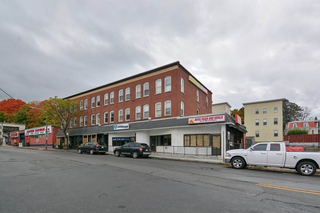 15-25 Lunenburg Street - Photo 1