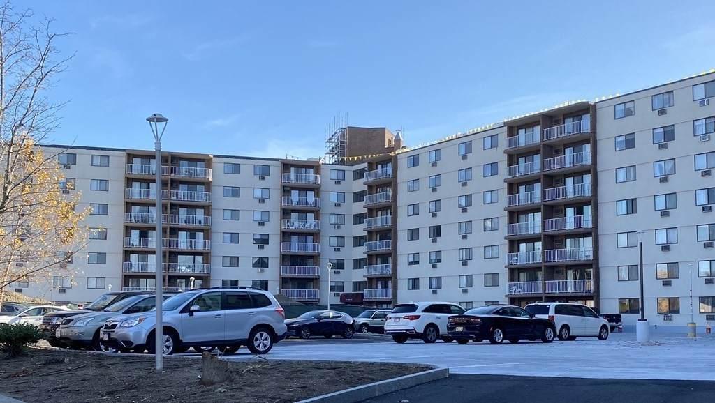131 Coolidge Ave - Photo 1