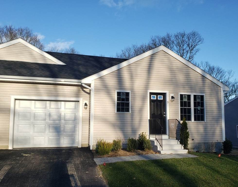 42 Blissful Meadow Dr. - Photo 1