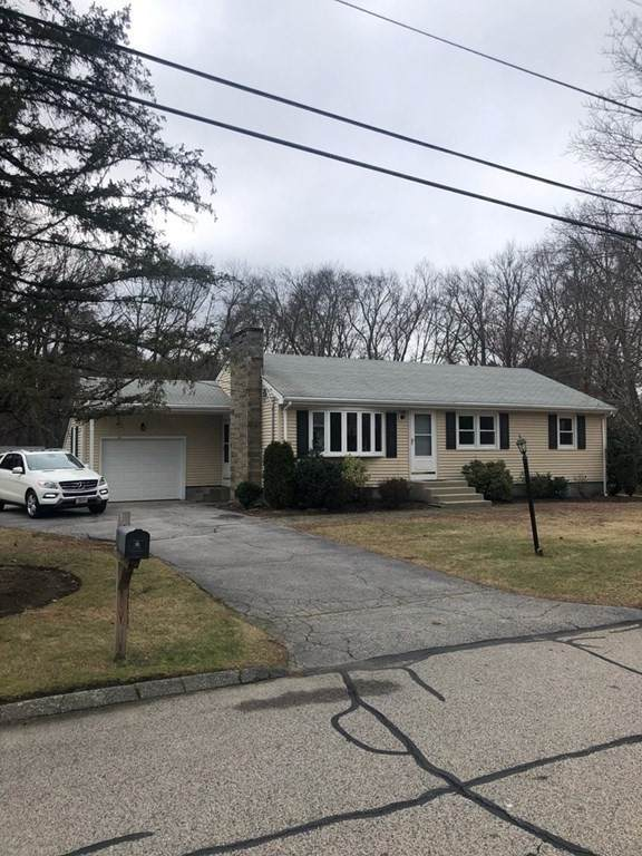 103 Jean Dr, Seekonk, MA 02771 (MLS #72763240) :: Cosmopolitan Real Estate Inc.