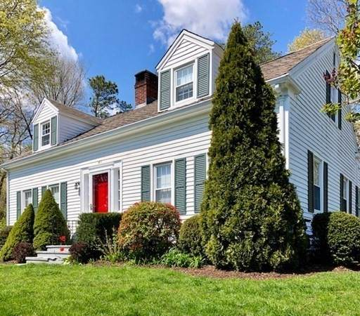 61 Cliff St, Plymouth, MA 02360 (MLS #72764957) :: Welchman Real Estate Group