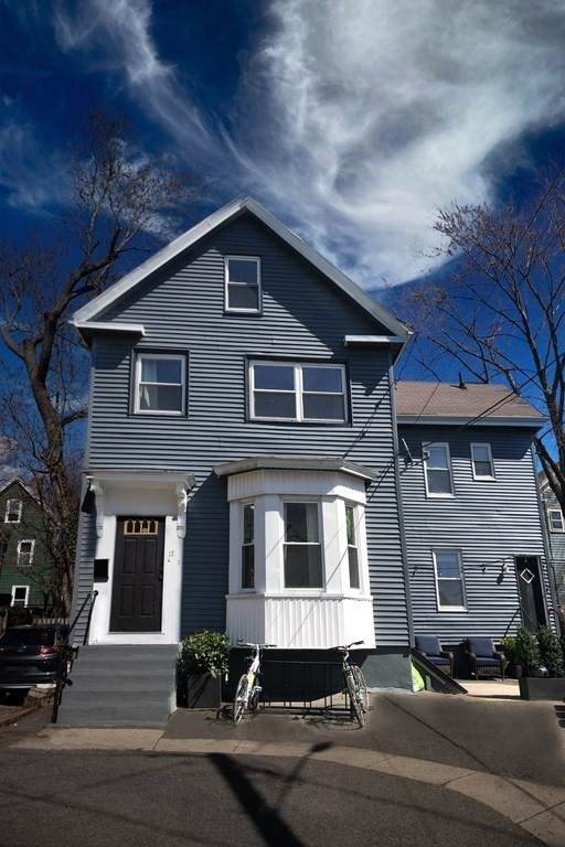 17 Bow St Place #1, Somerville, MA 02143 (MLS #72803653) :: Westcott Properties