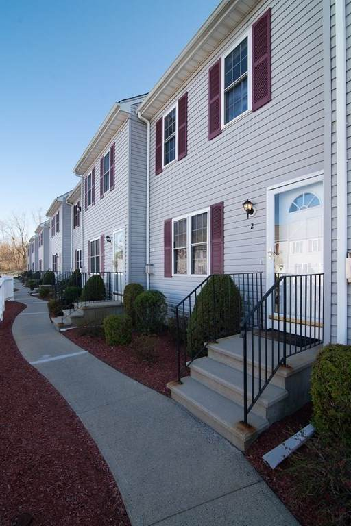 5239 N Main St #2, Fall River, MA 02720 (MLS #72810409) :: RE/MAX Vantage