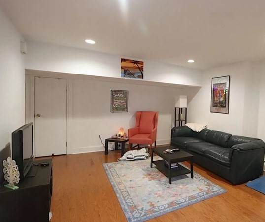 79 Pleasant Street A, Brookline, MA 02446 (MLS #72813360) :: DNA Realty Group