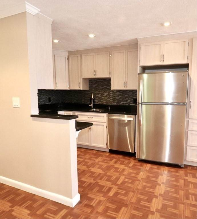 400 Governors Drive - Photo 1