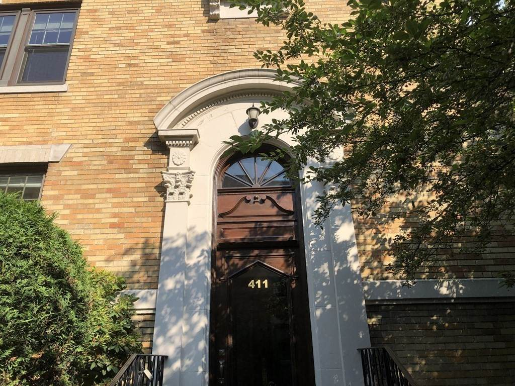 411 Washington Street - Photo 1