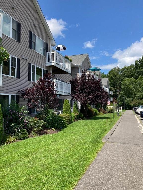 25 Greenleaves #520, Amherst, MA 01002 (MLS #72871364) :: Parrott Realty Group