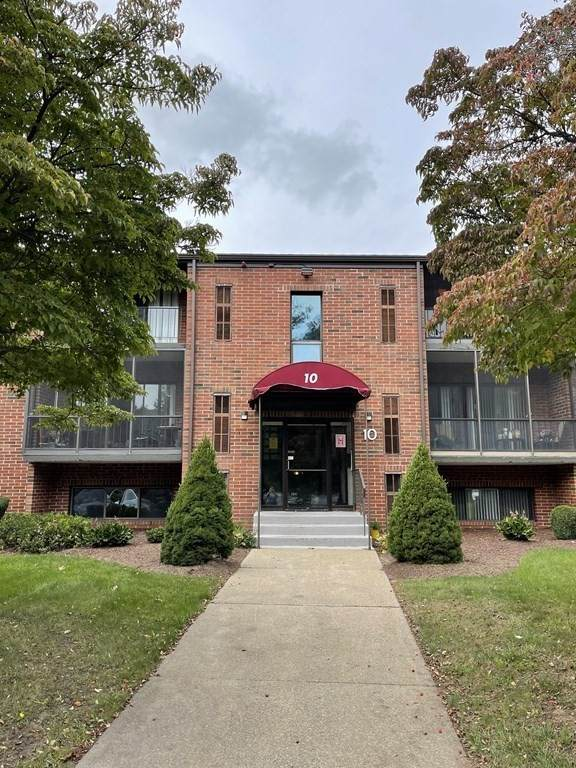 221 Oak St 10-11, Brockton, MA 02301 (MLS #72909250) :: The Smart Home Buying Team