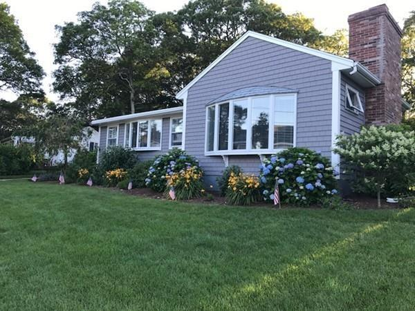 9 Nichols Rd, Falmouth, MA 02536 (MLS #72283319) :: Goodrich Residential
