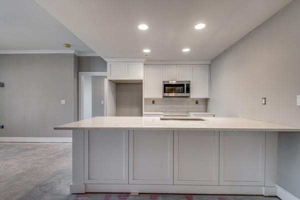 353 Summer #306, Somerville, MA 02143 (MLS #72375236) :: Welchman Real Estate Group | Keller Williams Luxury International Division