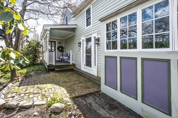 232 E Pleasant St, Amherst, MA 01002 (MLS #72484011) :: Kinlin Grover Real Estate