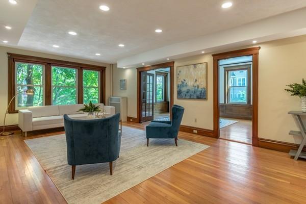 4 Fairbanks Street #3, Brookline, MA 02446 (MLS #72518044) :: The Russell Realty Group