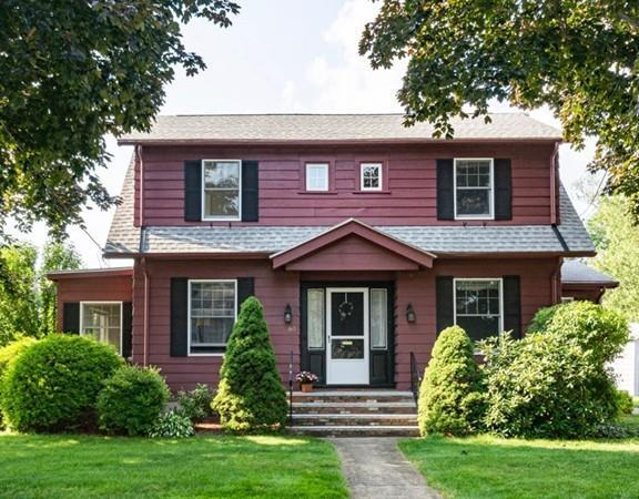 60 Havilah St, Lowell, MA 01852 (MLS #72542972) :: Kinlin Grover Real Estate