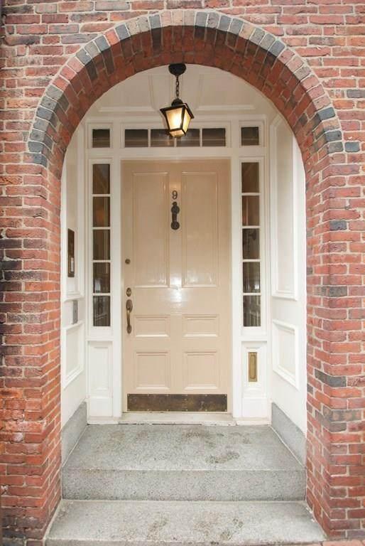 9 Joy Street #1, Boston, MA 02114 (MLS #72728670) :: Parrott Realty Group