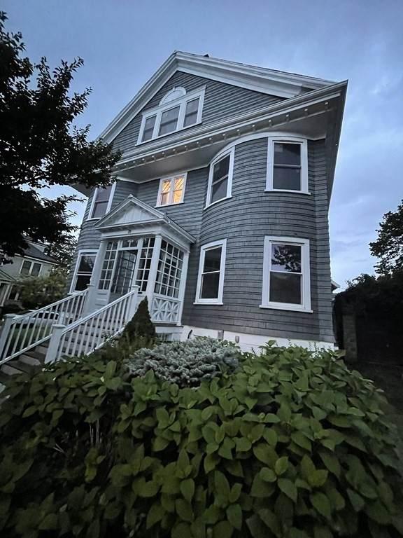 73 Halifax - Photo 1