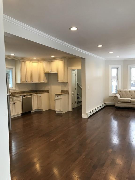 60 Dartmouth St, Haverhill, MA 01832 (MLS #72272991) :: Goodrich Residential