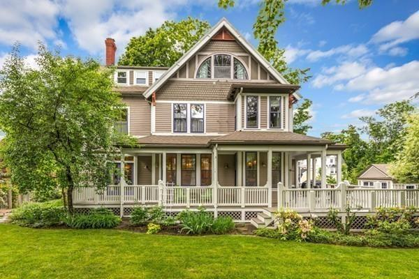 6 Central Street, Winchester, MA 01890 (MLS #72346709) :: Welchman Real Estate Group | Keller Williams Luxury International Division
