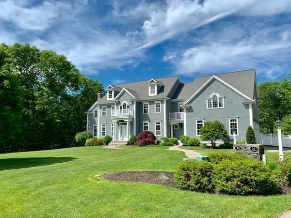 34 Minuteman Road, Medfield, MA 02052 (MLS #72476370) :: Kinlin Grover Real Estate