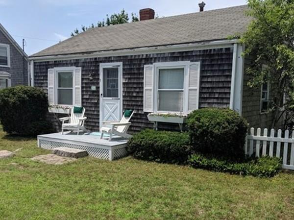 5 Beach St, Mattapoisett, MA 02739 (MLS #72537223) :: DNA Realty Group