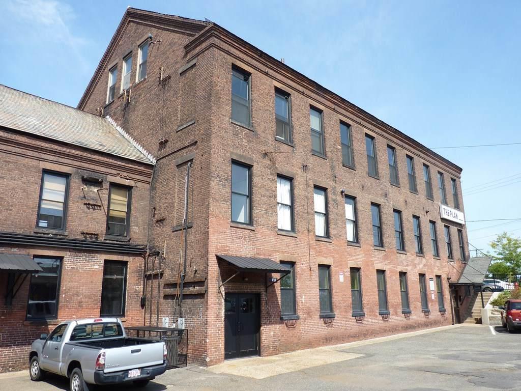 418 Dwight Street - Photo 1