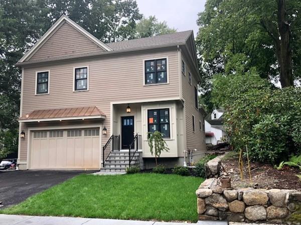 1728 Commonwealth Ave, Newton, MA 02465 (MLS #72327183) :: Compass Massachusetts LLC