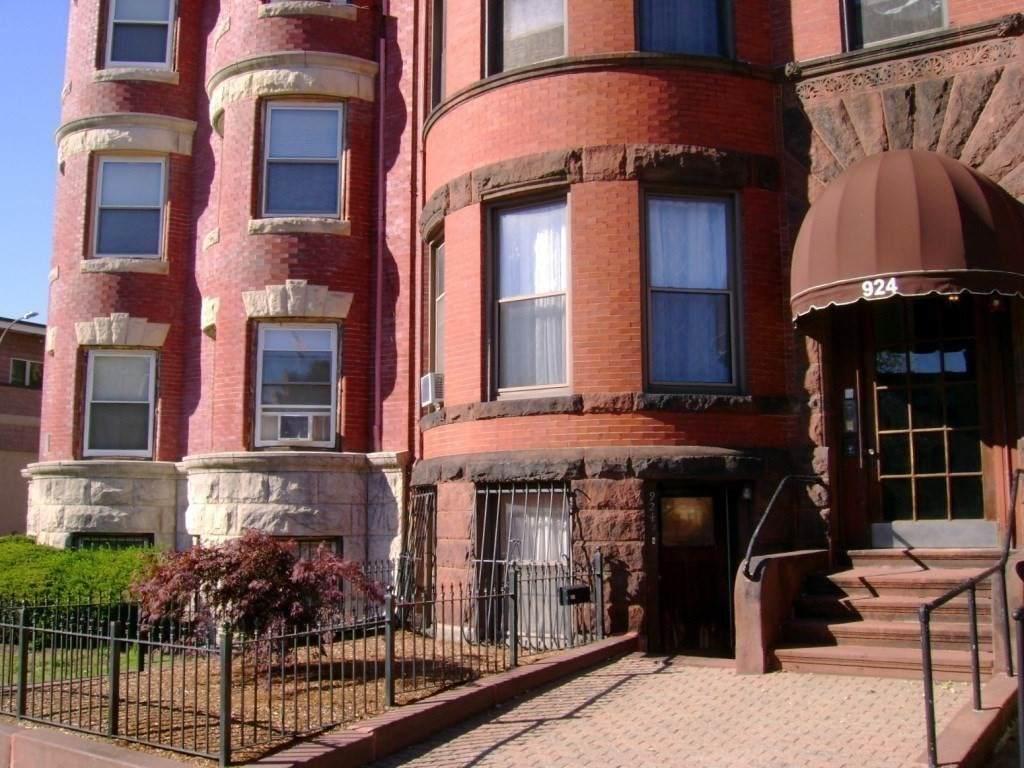924 Beacon Street - Photo 1