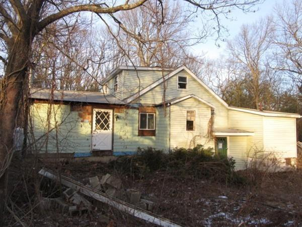 21 Lakeside Avenue, Hudson, MA 01749 (MLS #72277243) :: Goodrich Residential