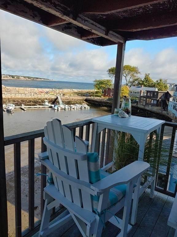 4 Bearskin Neck, Rockport, MA 01966 (MLS #72575546) :: Kinlin Grover Real Estate