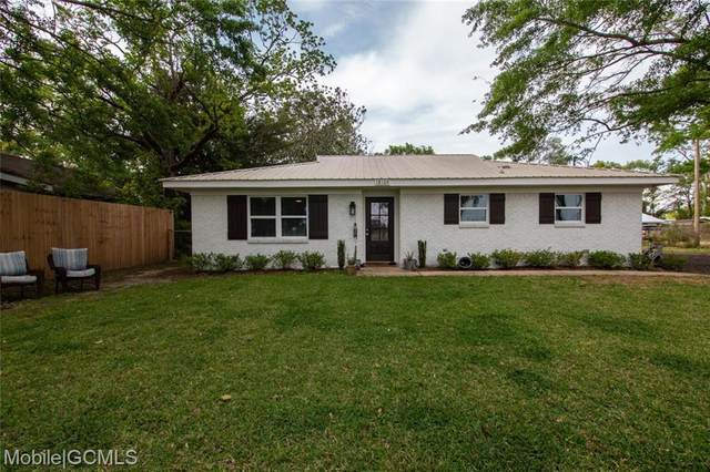 18109 Pennsylvania Street, Robertsdale, AL 36567 (MLS #650892) :: Elite Real Estate Solutions