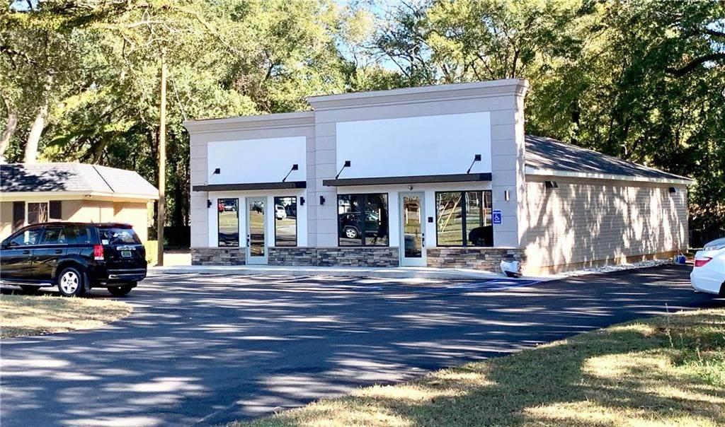 711 Oak Circle Drive - Photo 1