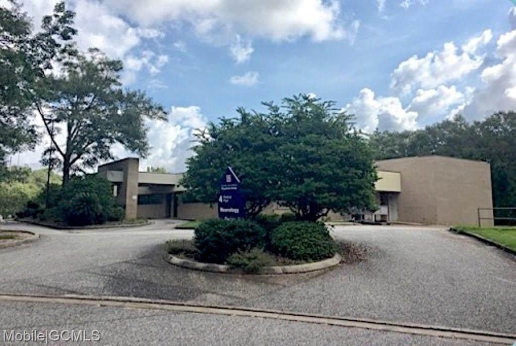 3301 Knollwood Drive - Photo 1