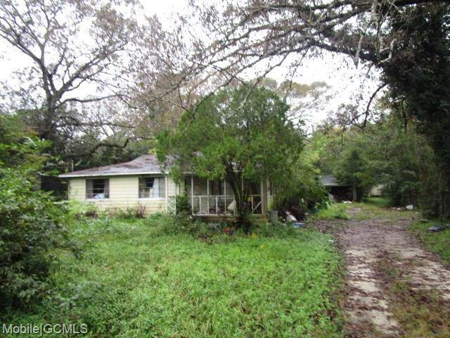 5135 Oak Crest Drive - Photo 1
