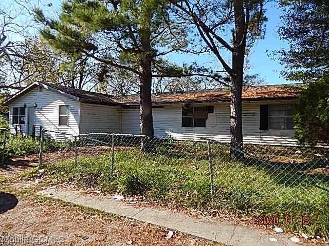 142 Williams Avenue S, Prichard, AL 36610 (MLS #646576) :: Berkshire Hathaway HomeServices - Cooper & Co. Inc., REALTORS®