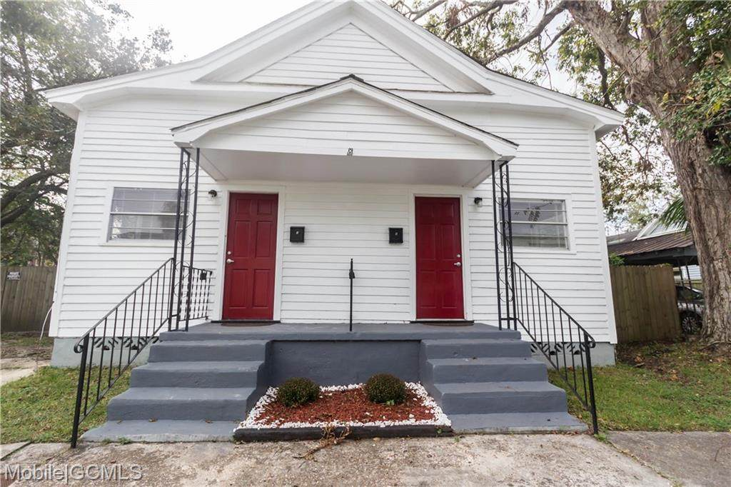 1005 Oak Street - Photo 1