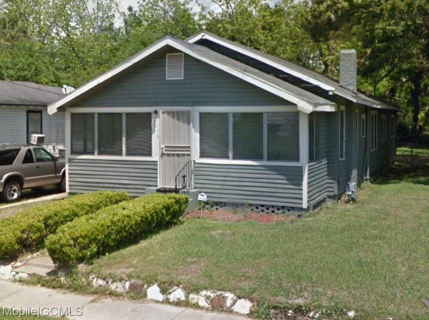 754 Kentucky Street - Photo 1