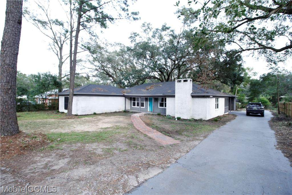 913 Pace Parkway - Photo 1