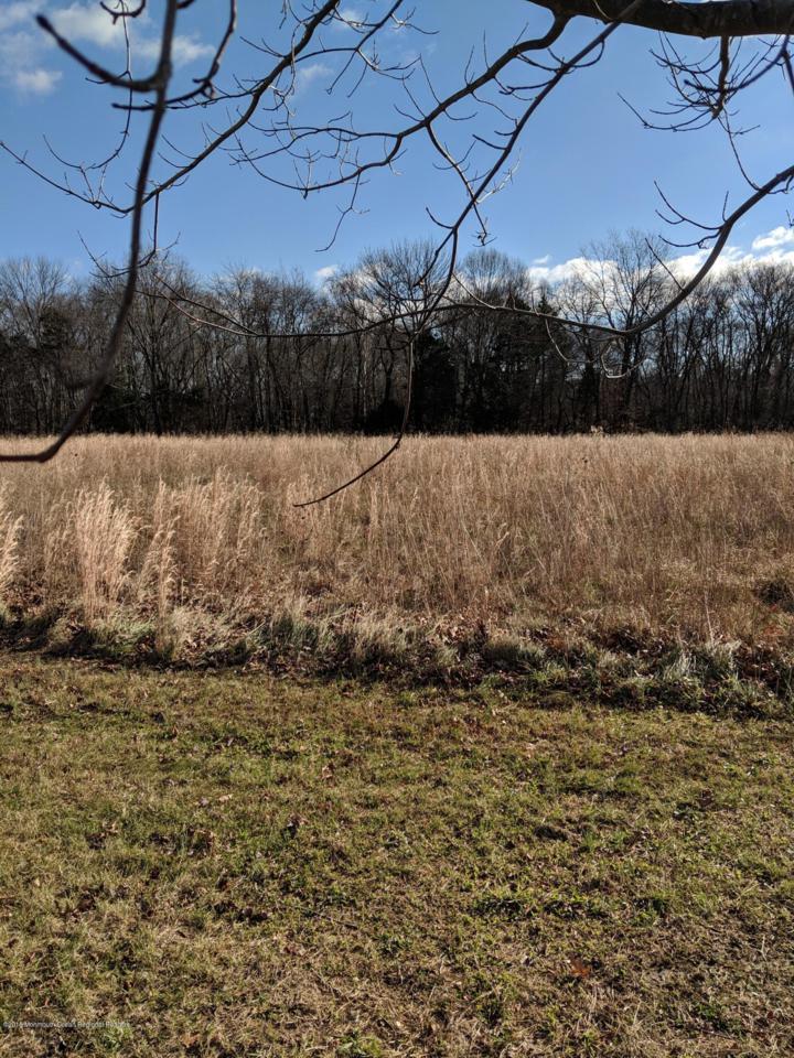 309 Fieldcrest Drive - Photo 1