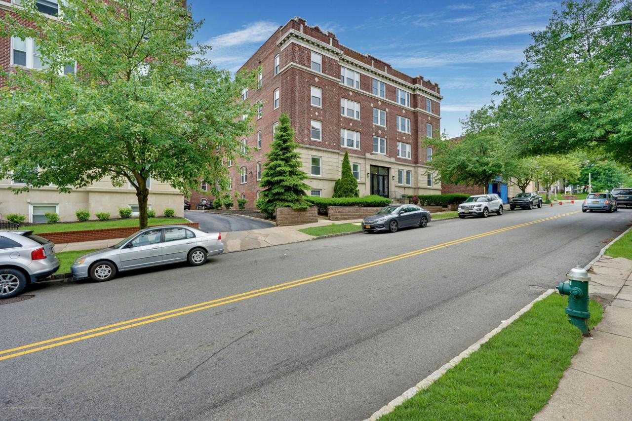 192 Claremont Avenue - Photo 1