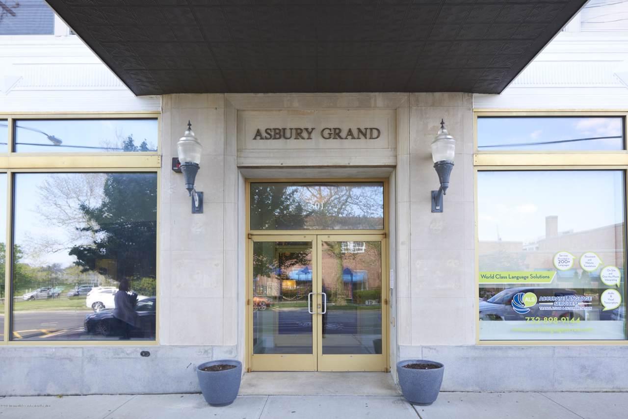 501 Grand Avenue - Photo 1