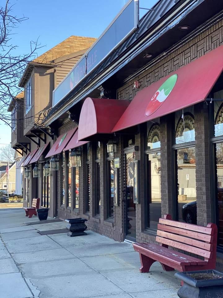 522 Franklin Avenue - Photo 1