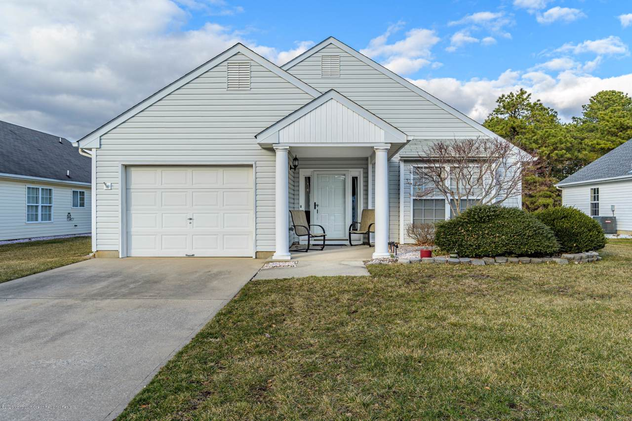 553 Waterford Drive - Photo 1