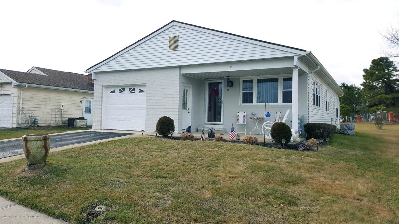 9 Redhook Bay Drive - Photo 1