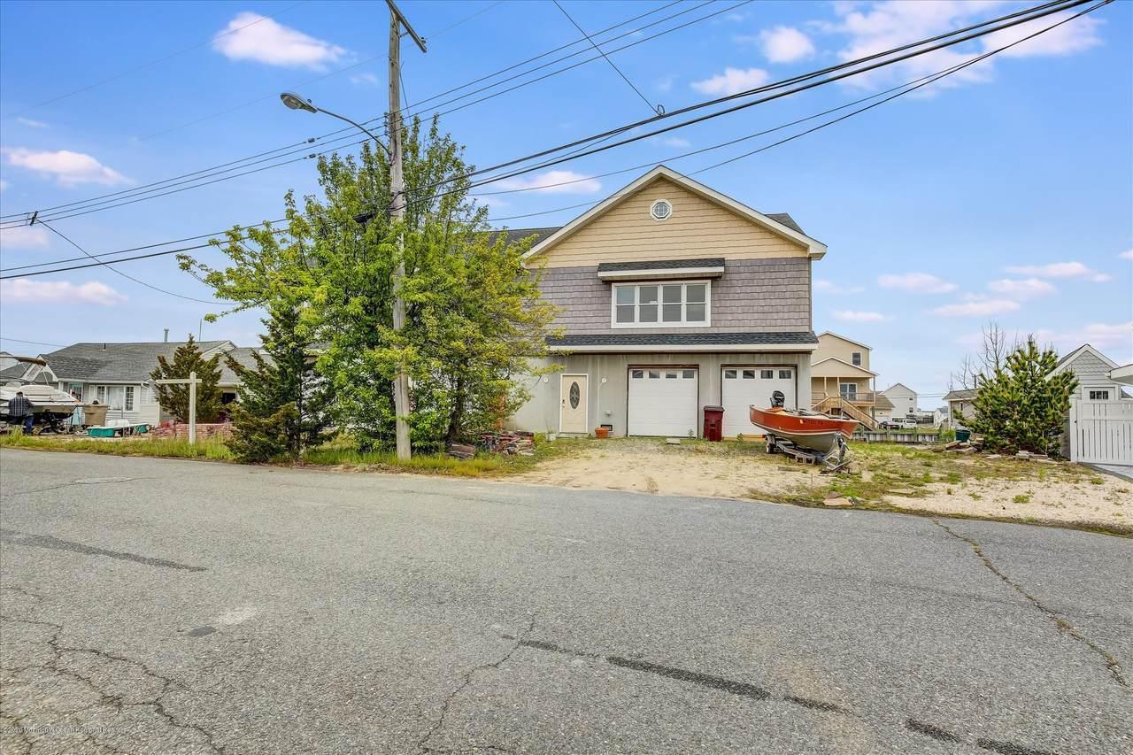 241 Fernwood Drive - Photo 1