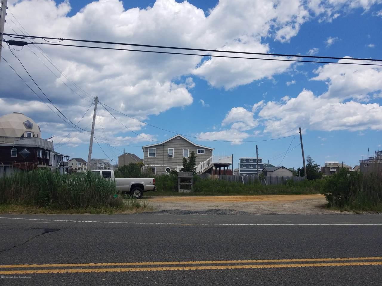 1276 Bay Avenue - Photo 1