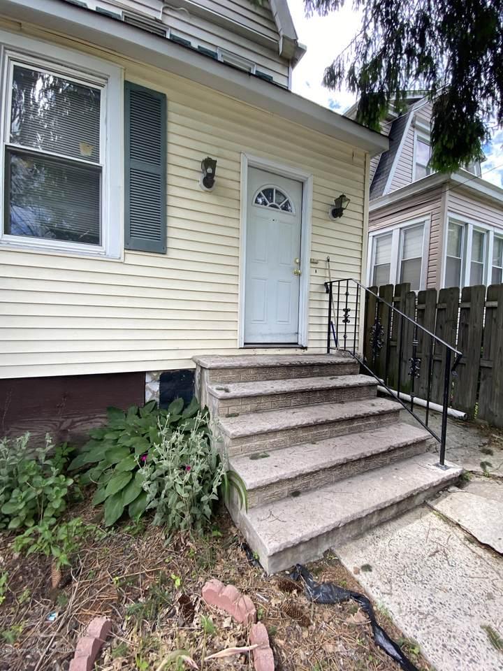 255 Hickory Street - Photo 1