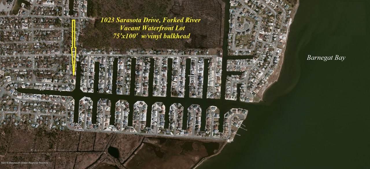 1023 Sarasota Drive - Photo 1