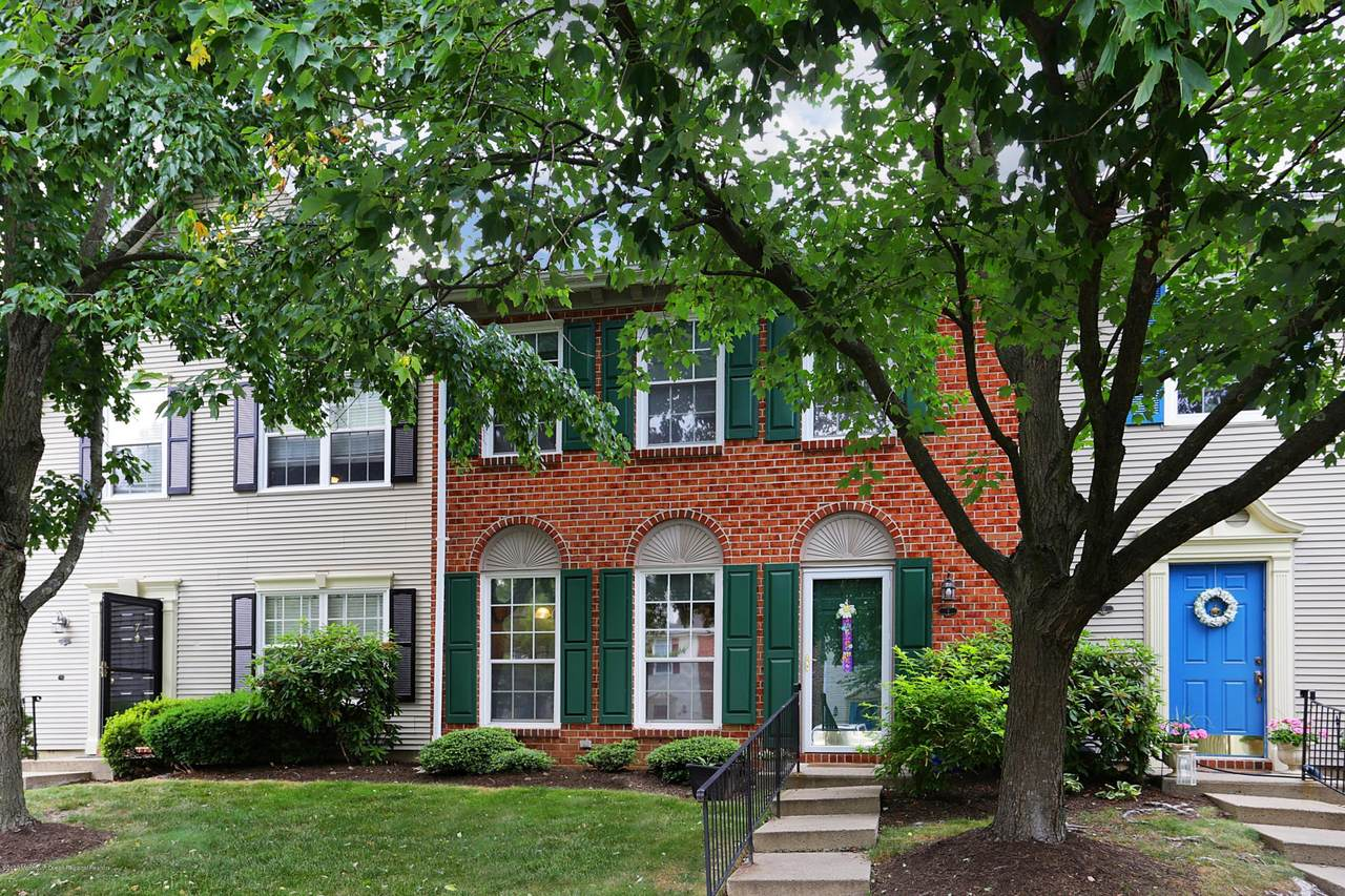 9 Preakness Court - Photo 1