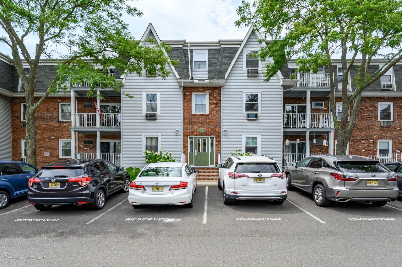 76 Whitefield Avenue - Photo 1